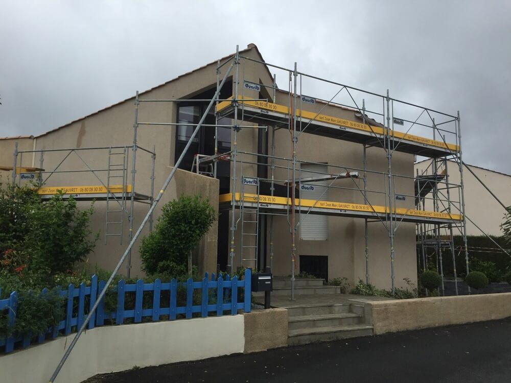 Avant – Ravalement de façade bâtiment